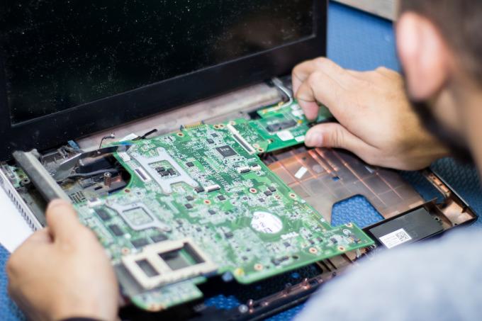 TROCA DE COMPONENTES (teclado, tela, bateria, cabo flat, conector, cooler, fonte, touch, etc.)